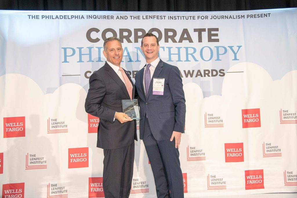 IBX VP Stephen Fera with Evan Benn of The Philadelphia Inquirer at the Corporate Philanthropy Conference and Awards on June 26